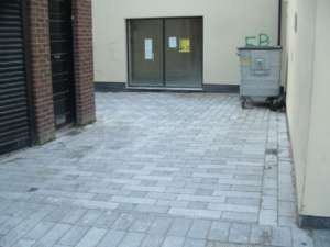 08 Flamed paving - Tralee