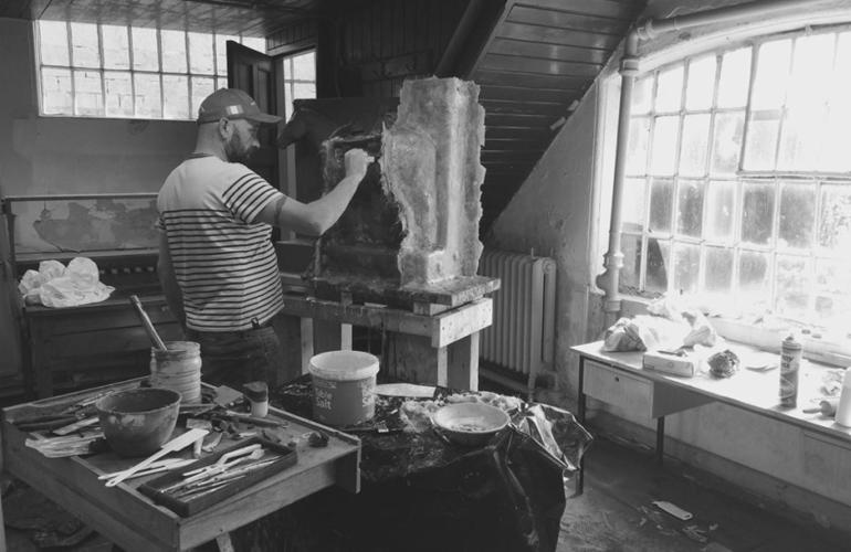 Simon Carman, Sculptor – Unveiling the Secret Stallion in Kilkenny Limestone