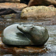Otter-sculpture-in-stone